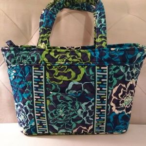 NWT Vera Bradley Mandy in RETIRED Katalina Blues